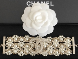 NEW Authentic CHANEL 2019 Multi Strand Crystal CC Gold Chain Pearl Bracelet  image 3