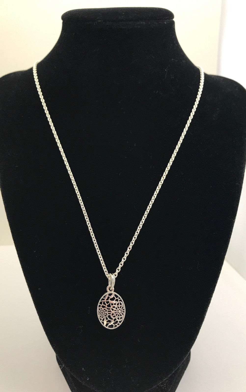 aa68e9fe7 Authentic Pandora Floral Daisy Lace Pendant Necklace, 23.6