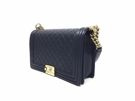 100% AUTHENTIC CHANEL NAVY BLUE QUILTED LEATHER NEW MEDIUM BOY FLAP BAG GHW image 3
