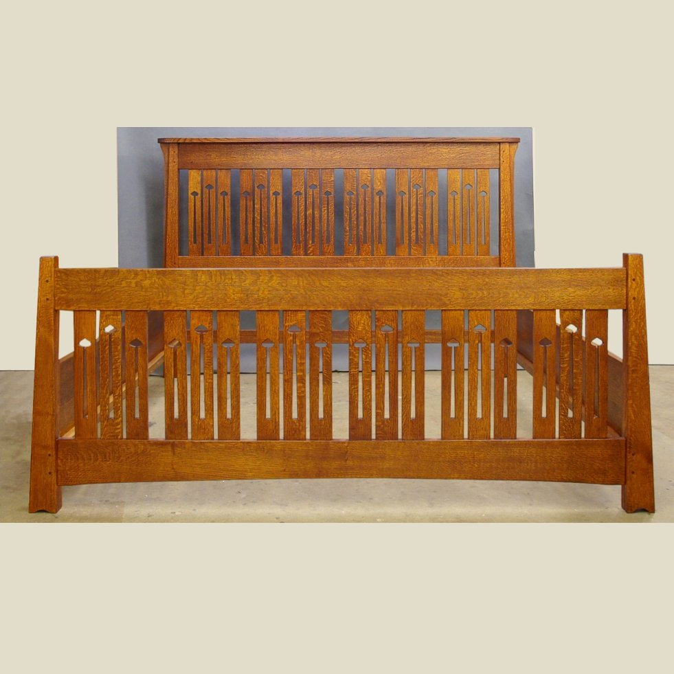 MACKINTOSH, KEYHOLE KING BED....QUARTERSAWN OAK