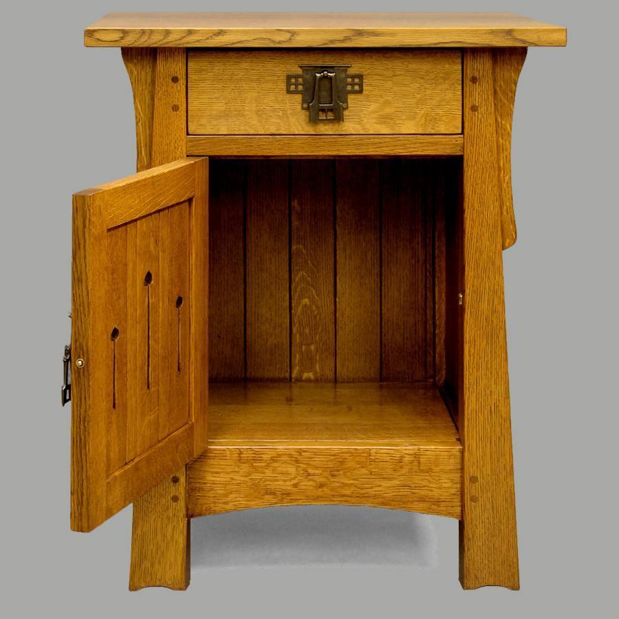 MACKINTOSH KEYHOLE END TABLE/NIGHTSTAND  #536Q-20
