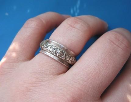 Fleur Spinner Ring