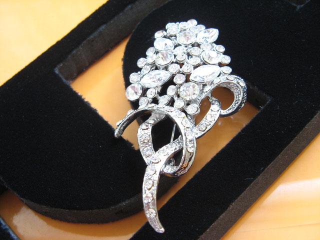 FLORAL CUTE ALLOY HANDMADE CRYSTAL COMB BRIDE BROOCH VEIL BRIDAL ACCESSORIES H03