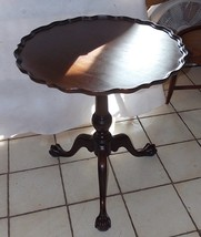 Mahogany Carved Pie Crust Chippendale Parlor Table / Lamp Table by Imperial - $399.00
