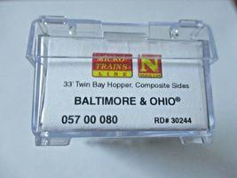 Micro-Trains # 05700080 Baltimore & Ohio 33' Twin Bay Hopper, N-Scale image 4