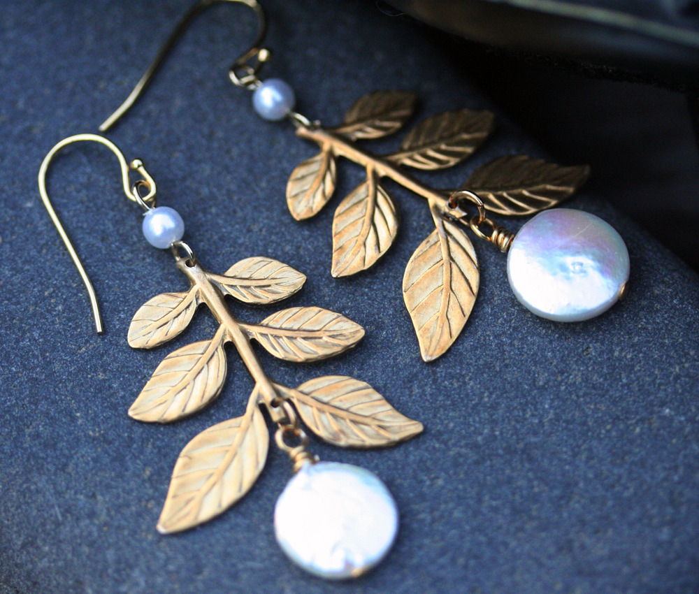Coin Pearl and Golden Branch Leaf Earrings