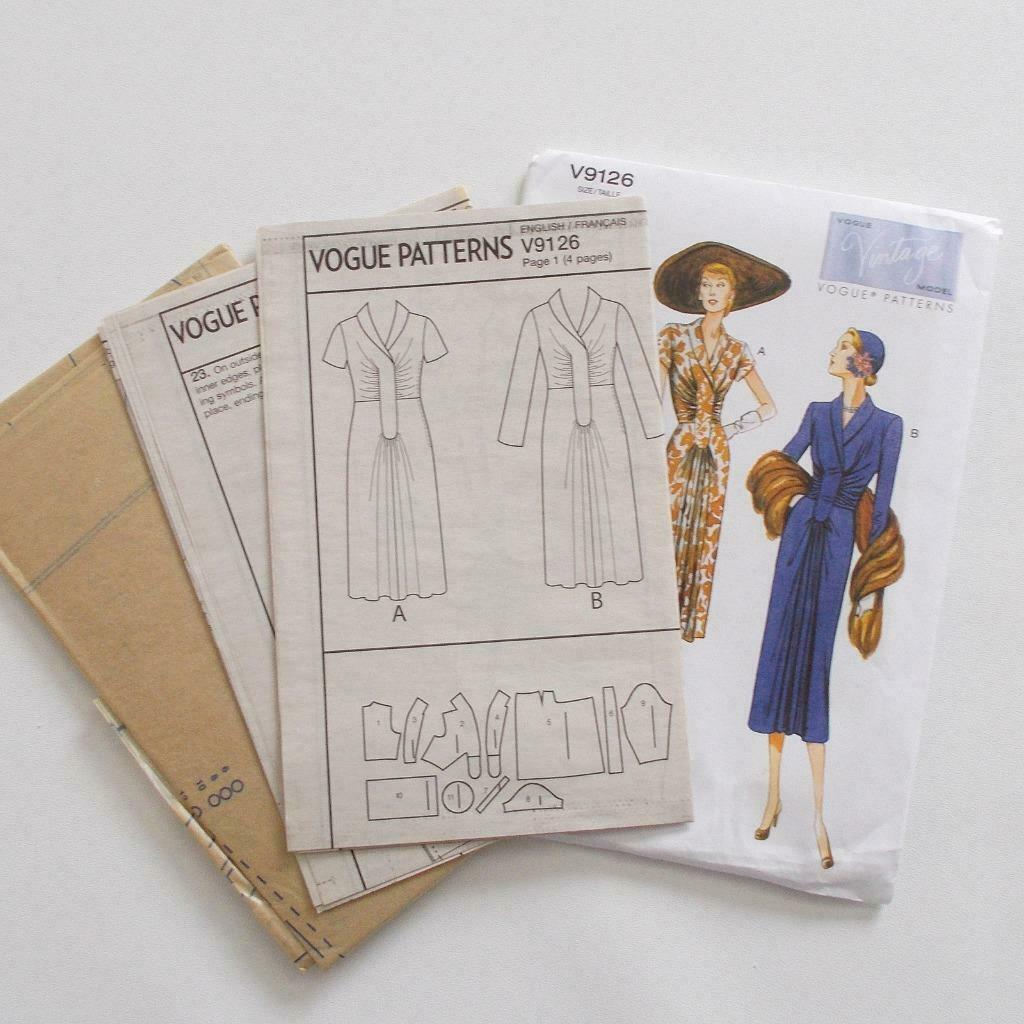 Vogue V9126 Vintage Model Dress Pattern 1947 Design Size A5 6-14 image 6