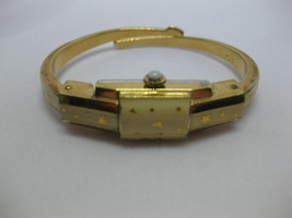 Vintage 17 Jewels Arenda Watch Bracelet Gold Tone Incabloc Works - $69.29