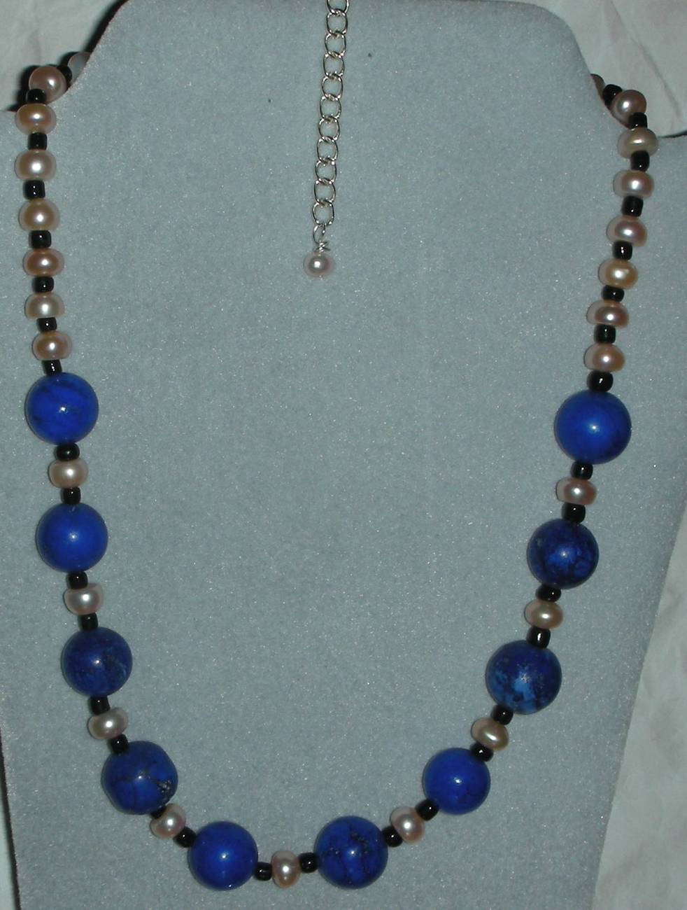 STUNNING TURQUOISE STONE AND PEARLS NECKLACE