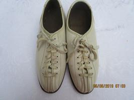 Vintage Brunswick Womens Bowling Shoes Split Toe Size 8.5 - $18.49