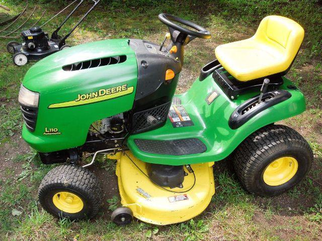 john deere lawn tractors l100 l110 l120 l130 and 50 similar items rh bonanza com john deere l100 owners manual pdf john deere l100 manual transmission