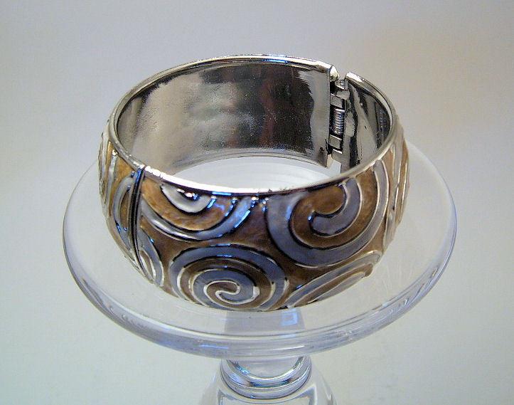 Bangle Bracelet Hinged Enamel Metallic Swirl Pattern