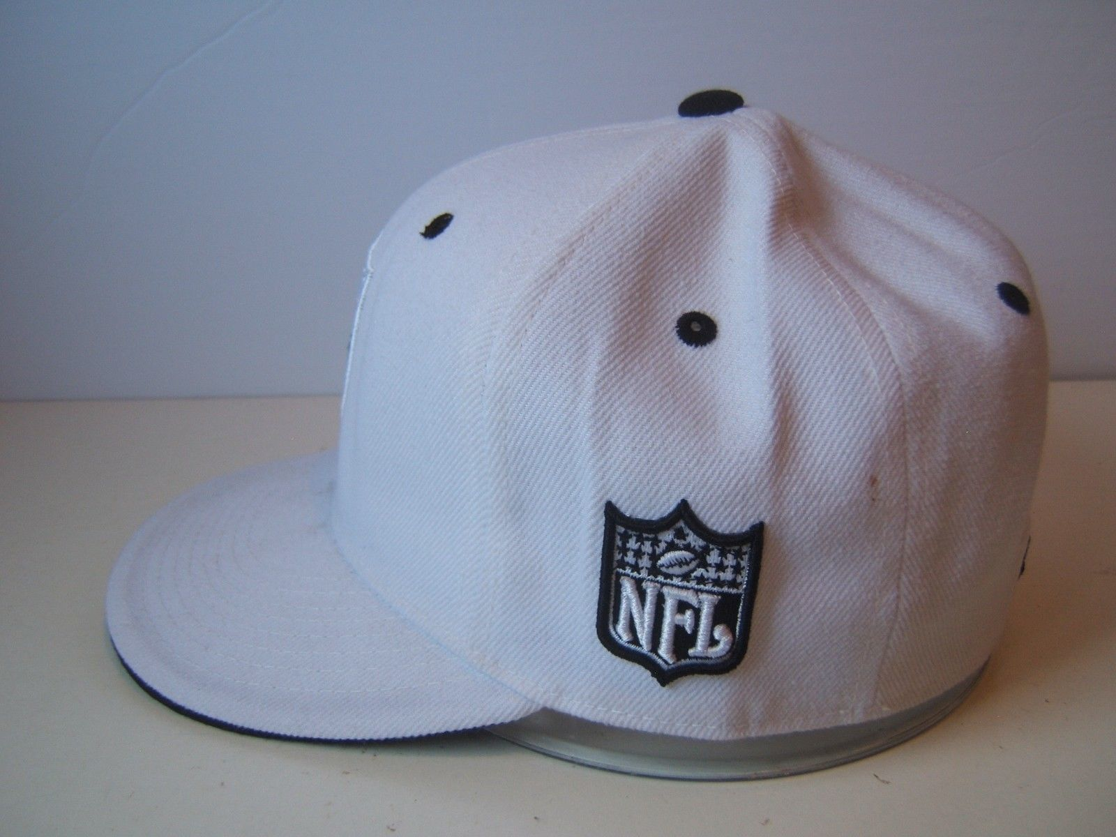 Raiders Patch Hat 7 1 4 Fitted Black White NFL Football Reebok Baseball Cap c79c30bae6de