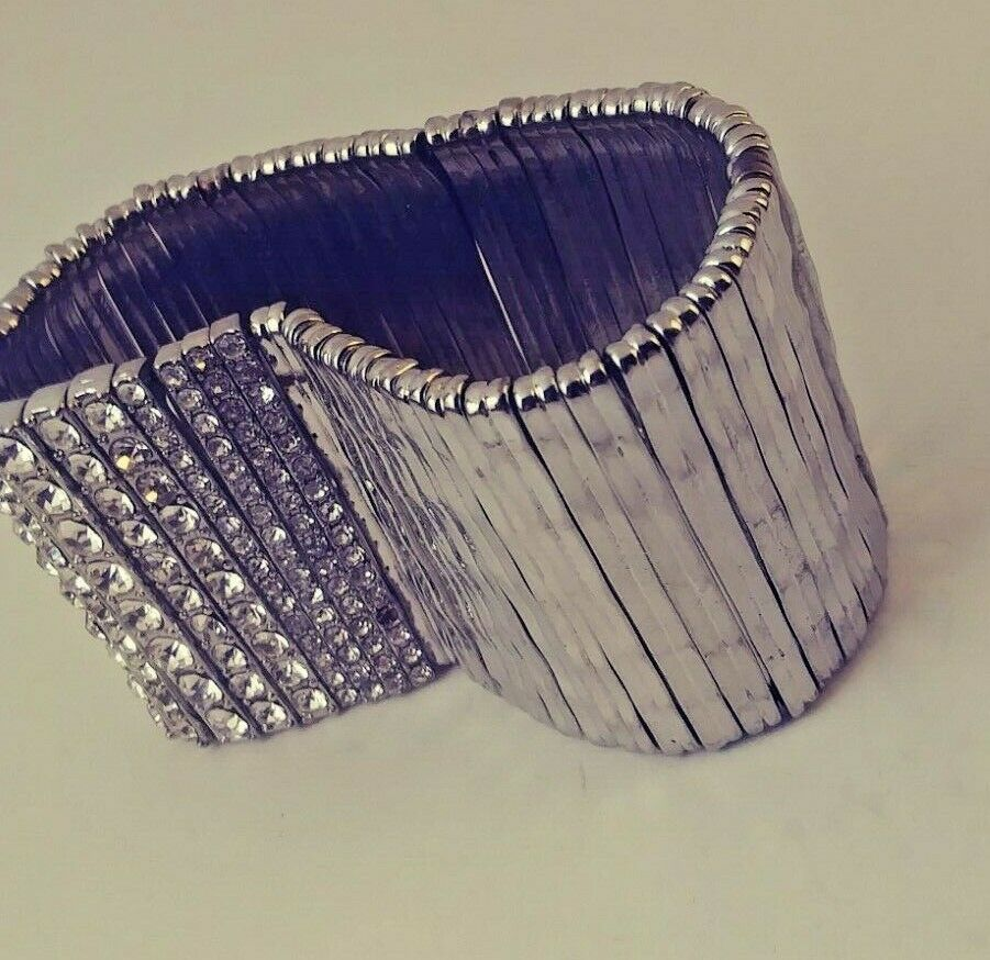 VINTAGE SILVER TONE AND RHINESTONE STRETCH BRACELET PERFECT FOR THE NEW YEAR