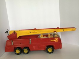 Tonka Metal Toy Fire Truck Vintage Red Long Extendable Ladder 32202 Engine - $44.99