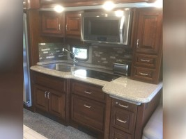 2018 AMERICAN COACH AMERICAN REVOLUTION 42S FOR SALE IN Avon, Indiana 46123 image 10