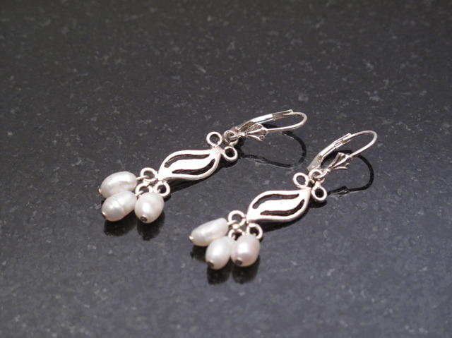 Silver Fancy Pearl earrings