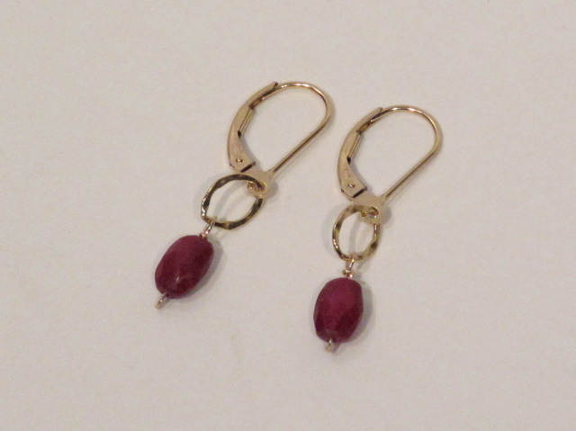 Gold Ruby circle earrings
