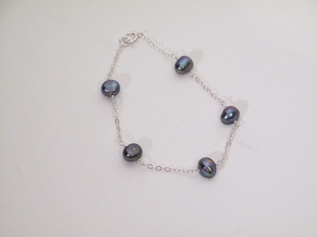 Silver Grey Pearl chain braclet