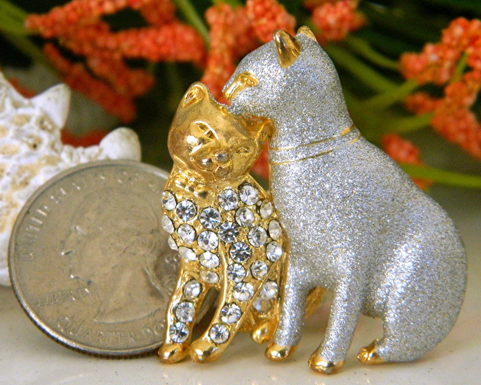 Vintage Two Cats Brooch Pin Silver Enamel Gold Rhinestones