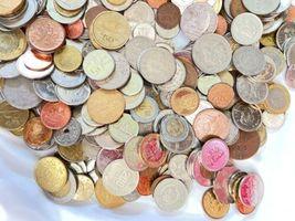 +9 lbs Foreign Coins Bulk World Token Tax Gaming Older Coins Lot Souvenir image 7