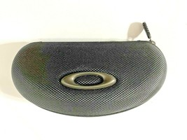 Oakley Black Hard Clamshell Sunglasses Zippered Case with Extra Lenses - $15.99