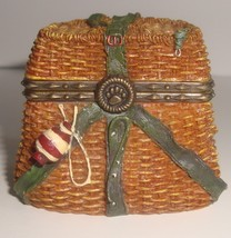 Boyd's Bears Uncle Bean's Treasure Box Opie's Creel Basket with Minnow M... - $4.99