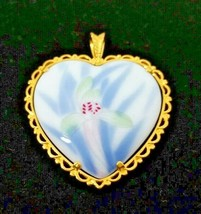 Vintage Heart Pendant Danbury Mint World's Great Porcelain Houses Collec... - $25.99