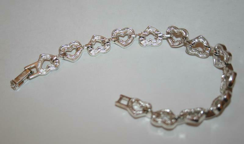 Avon Silvertone Crystal Open Heart Bracelet  J345 image 5