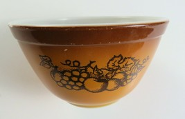 Vintage PYREX Orchard Fruit Brown Mixing Bowl 1.5 Pint - $6.92