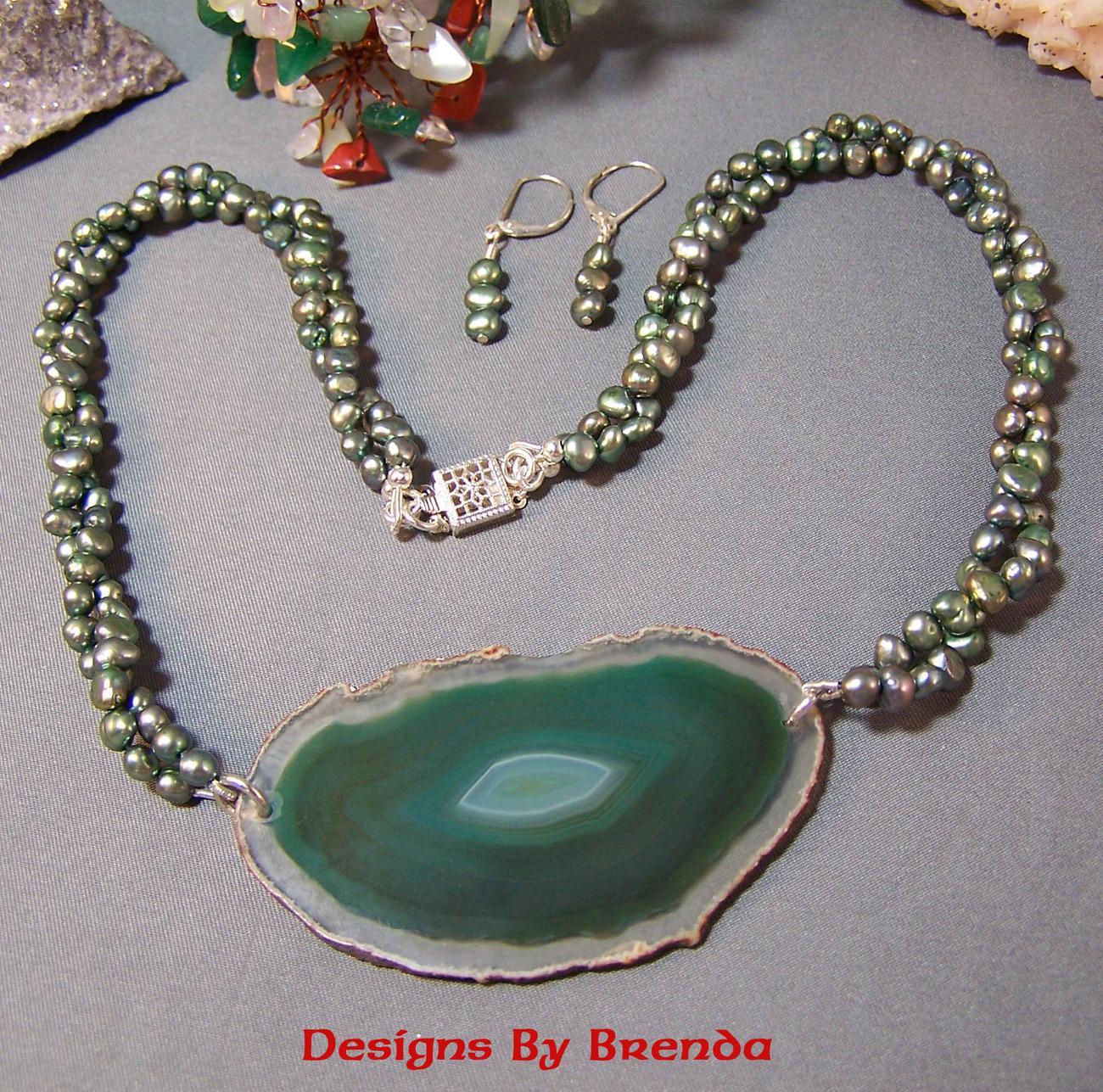 Olive pearl agate slice set gray 2