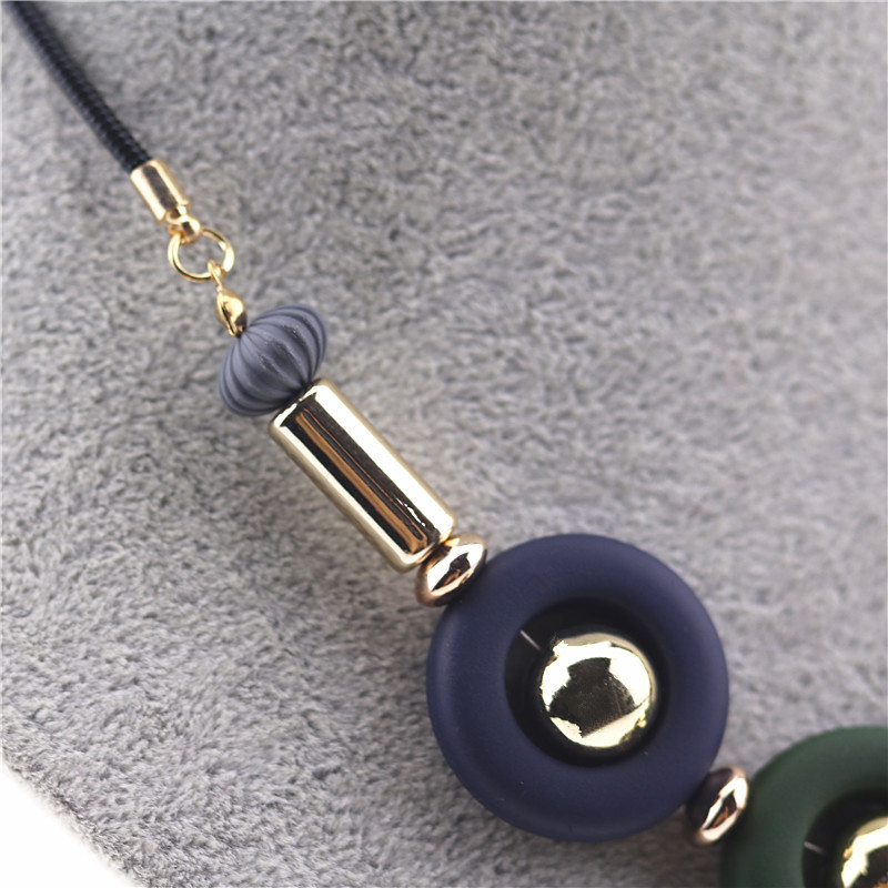 New Choker Necklace Fashion Ethnic Color Bead Round Pendant