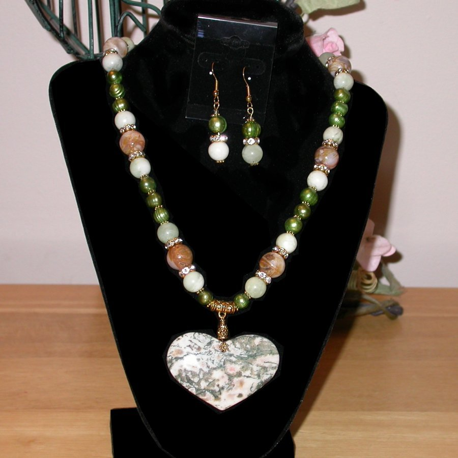 BAMBOO AGATE HEART NECKLACE & EARRINGS set.