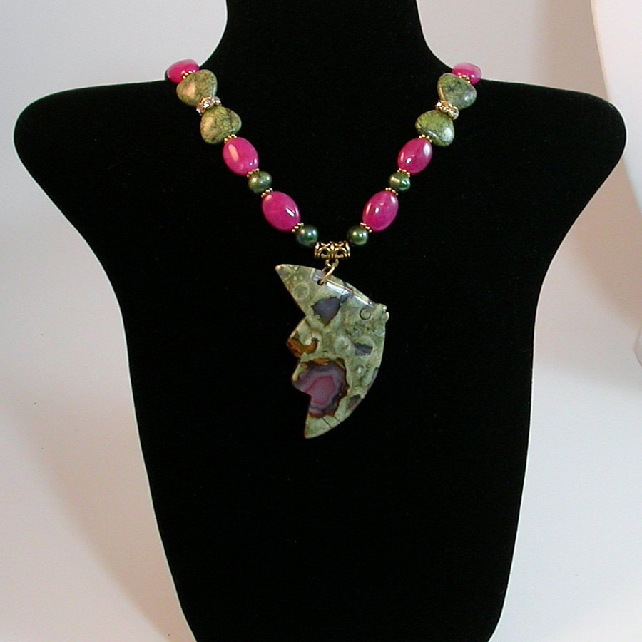 This Fishy Necklace - Really striking and amazing necklace -