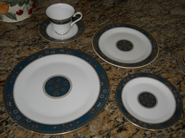 Royal Doulton Carlyle 5 piece place setting  h5018 Free Shipping - $66.28