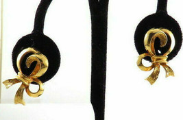 Vintage Signed Coro Gold Tone Bow Ribbon Clip Earrings - $7.91