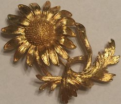 VTG 80s MONET Brooch Pin~Bright Shiny Gold Tone Textured Sunflower Flora... - $26.98