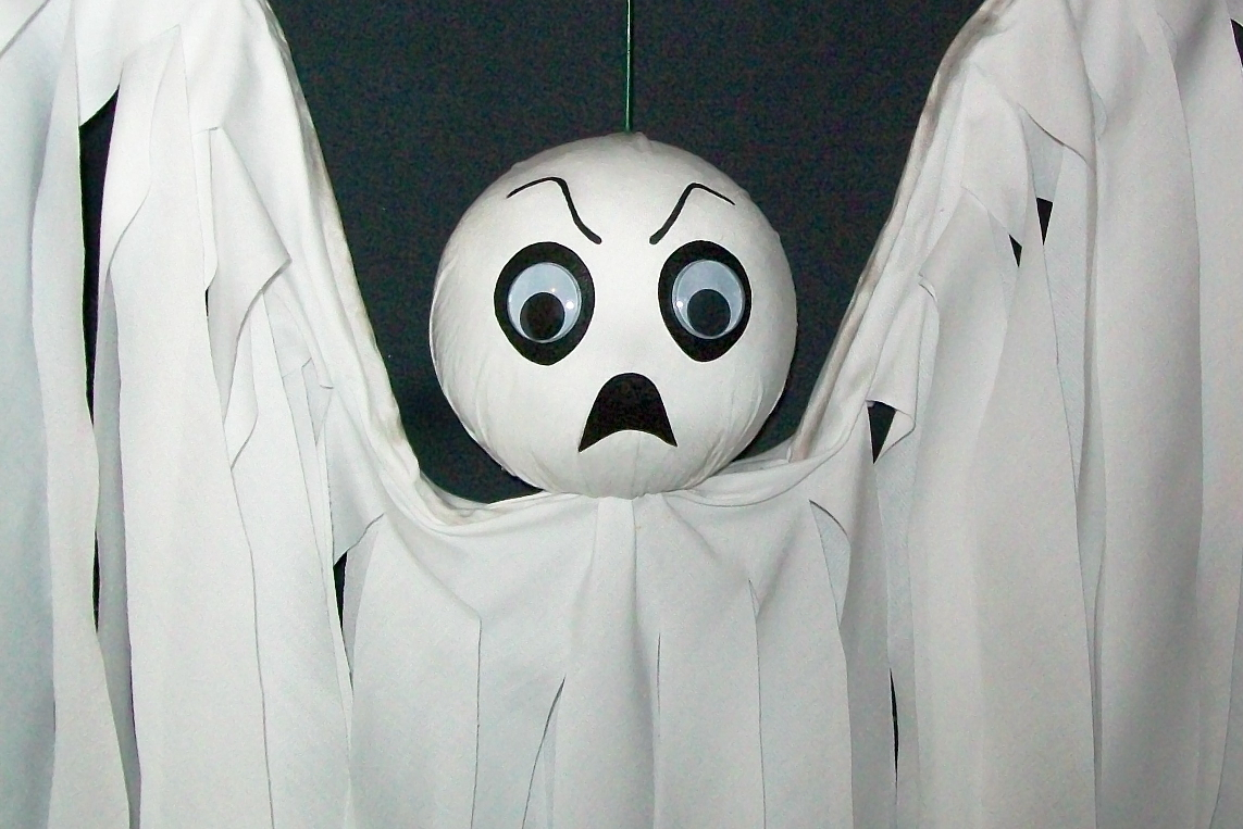Halloween Hanging Ghost Flyer SPOOKY Hand-Crafted