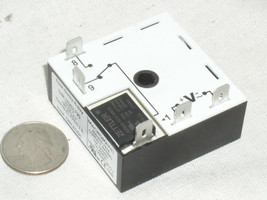MACROMATIC THR-10262-F2S FIXED 2 SECOND TIME DELAY ISOLATED RELAY TIMER ... - $15.96