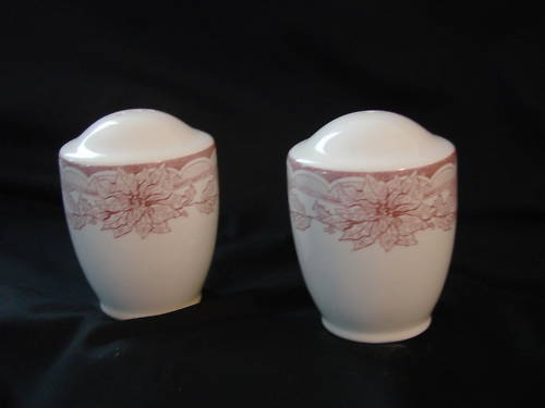 Christmas Ceramic Salt & Pepper Shakers Poinsettia NIB