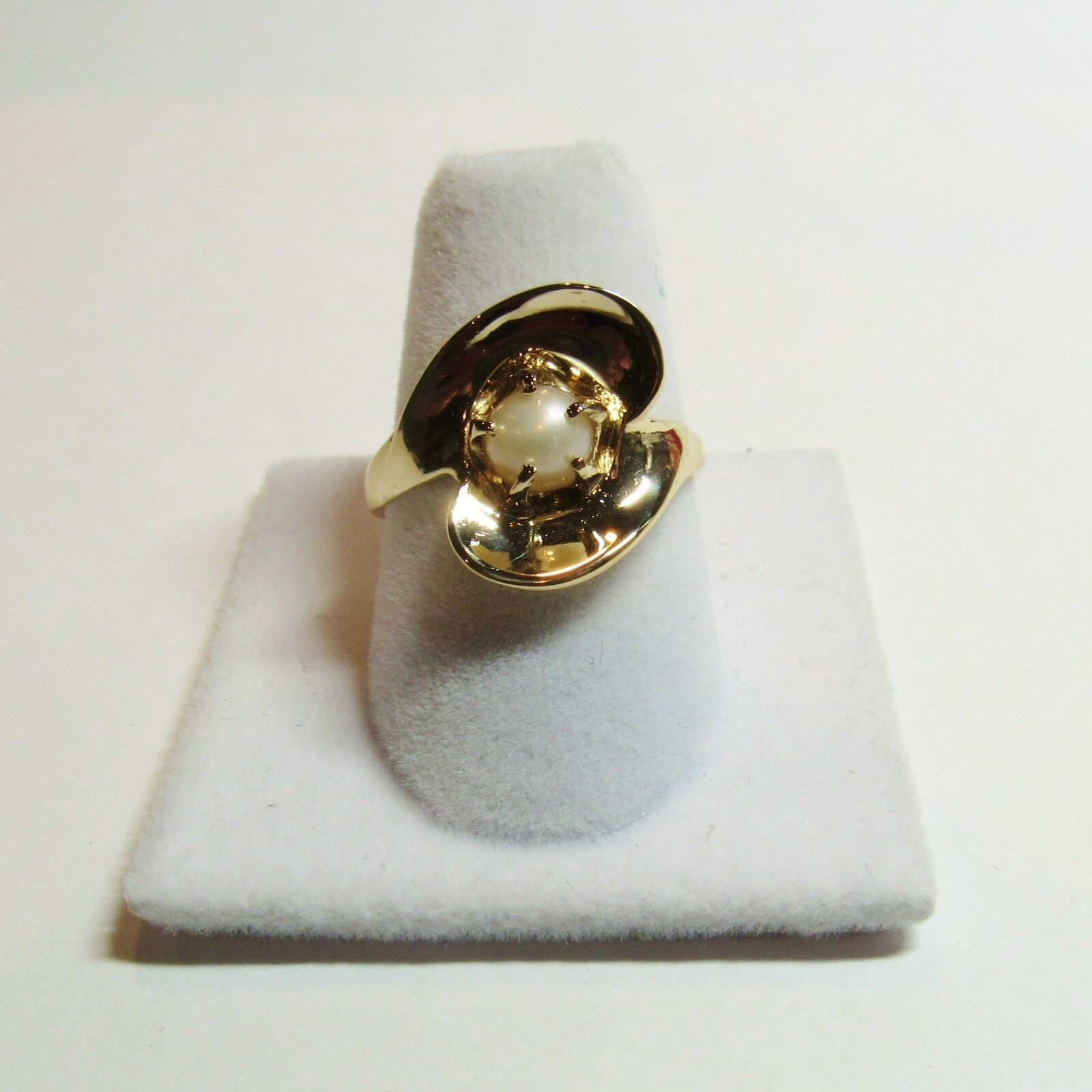 Primary image for 1940 Vintage 14K Yellow Gold Pearl Curvilinear Flower Size 7.5 Ring Baden & Foss