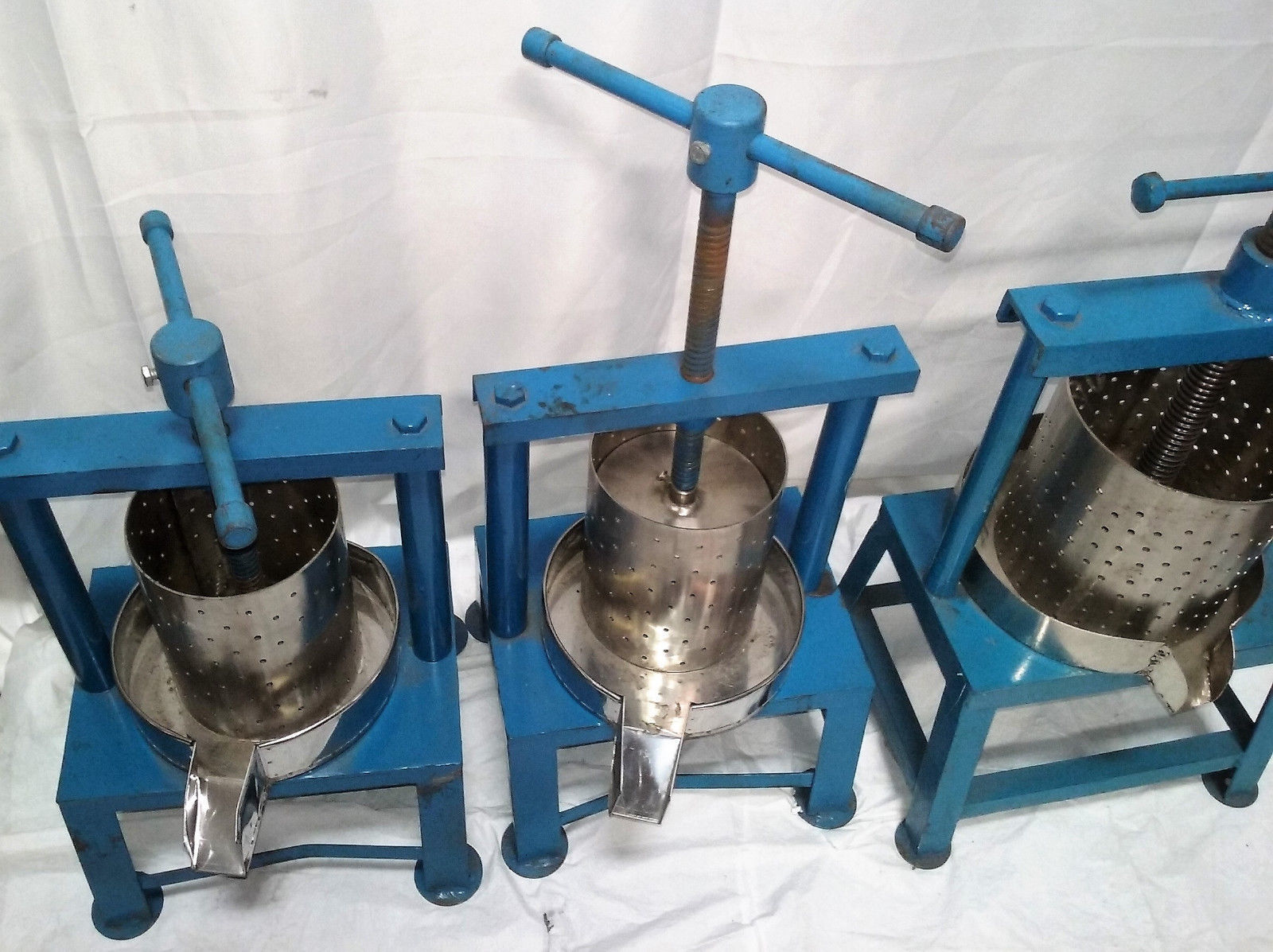 Industrial Juicers Lot Of 3 2 small and 1 large Commercial Kitchen Equipment image 2