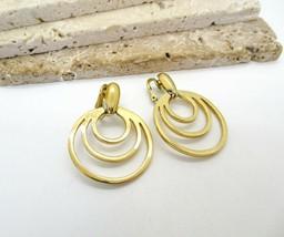 Vintage Crown Trifari Gold Tone Mid Century Modernist Hoop Clip On Earrings R57 - $14.44