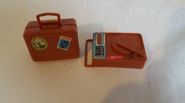 VINTAGE 1971 MATTEL KEN DOLL TRAVEL ACCESSORIES,SUITCASE,RECORD PLAYER,B... - $9.89