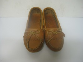 Beautiful Minnetonka  Tan Leather  Moccasins Women's Size 10 excellent cond - $29.99