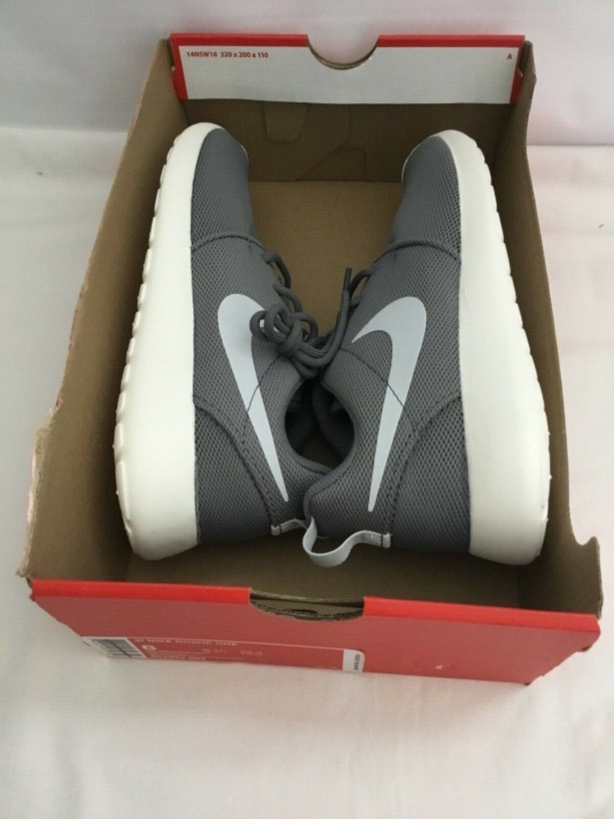 WMNS Nike Roshe One Cool Grey Athletic Sneaker Style #844994 003 SZ 8(NO TOP LID