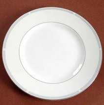 """Wedgwood Notting Hill 8"""" Salad Dessert Plate Made in England New - $24.90"""