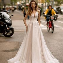 Sexy V-neck Open Back Shiny Tulle Beaded Lace Appliqued Princess A- Line Wedding