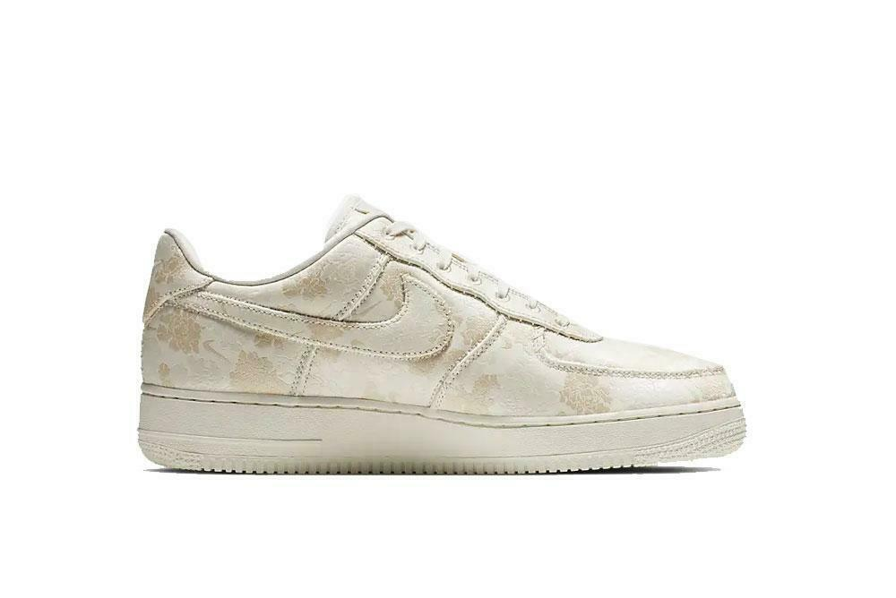 AIR FORCE 1 '07 PRM 3 MEN'S US SIZE 12 STYLE # AT4144-100