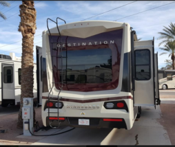 2016 Winnebago Destination 37RD 5th Wheel For Sale in LAS VEGAS NV 89118 image 3